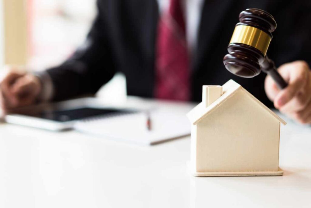 8 ways to vanquish your fear of House Auctions